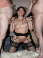 Femme ronde aimant la pluralite